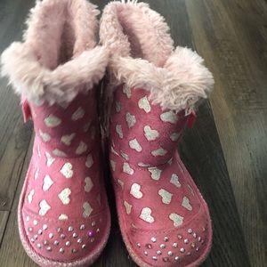 Sketcher's Twinkle toes light up snow boots.